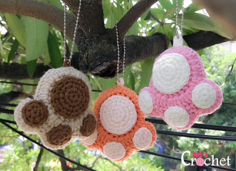 Free Crochet Pattern For Paw Print : Paw Print Keychain Free Crochet Pattern