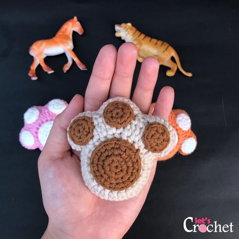 Paw Pattern Keychain Crochet Free Print