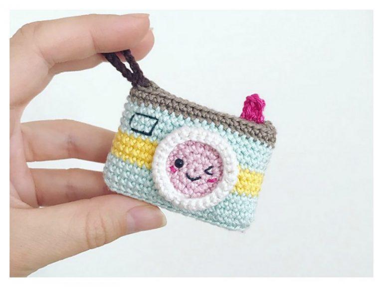 Kawaii Camera Keychain Free Crochet Pattern