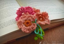 Pretty little flowers bookmark Crochet Free Pattern
