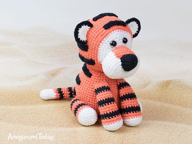 Tiny puppy amigurumi pattern   Amigurumi pattern, Crochet doll ...   600x800