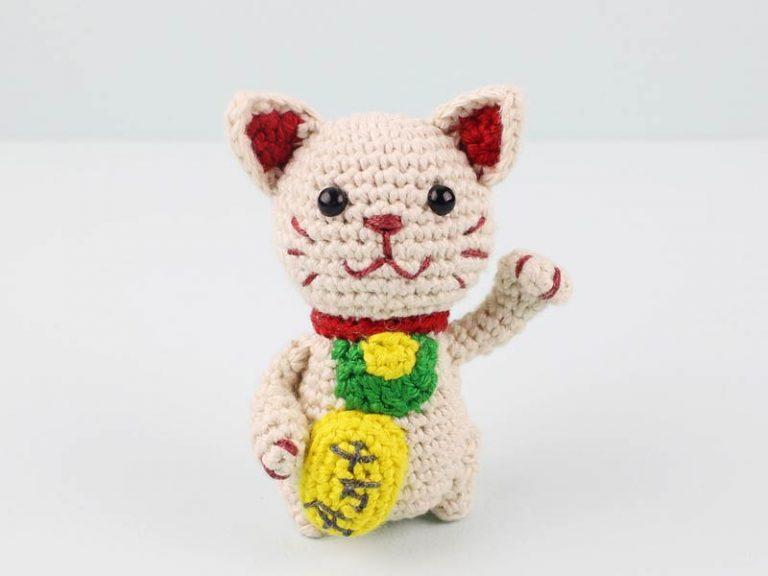 Free Lucky Cat Amigurumi Crochet Pattern